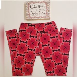 LulaRoe Red & Black Clover Print Leggings One Size